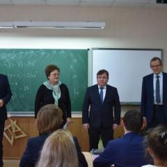 a.sobolev_i_a._mochalov_posetili_urok_matematiki_v_10m_klasse_tehnologicheskogo_profilya2.jpg